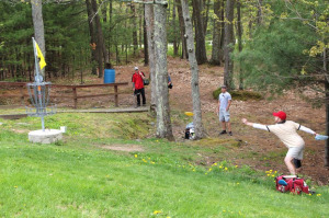 Holing out, hole 15, Pye Brook Park, Eastern MA Championships 2011